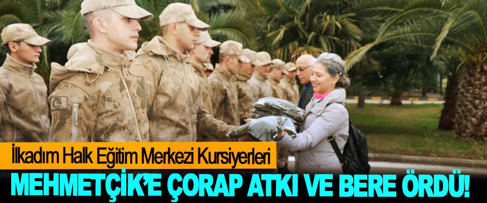 İlkadım Halk Eğitim Merkezi Kursiyerleri Mehmetçik'e çorap atkı ve bere ördü!