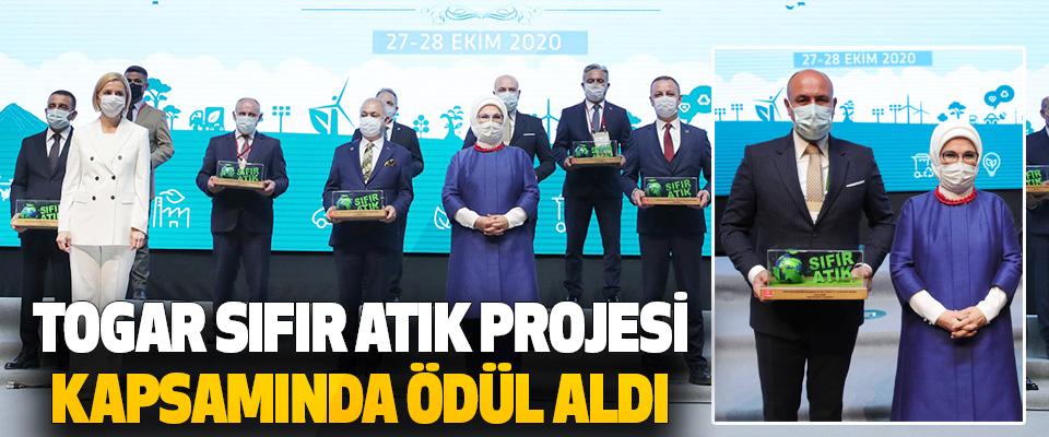 Tekkeköy Belediye Başkanı Hasan Togar Sıfır Atık Projesi Kapsamında Ödül Aldı