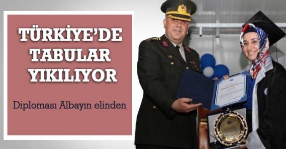 Türkiye'de tabular yıkılıyor.