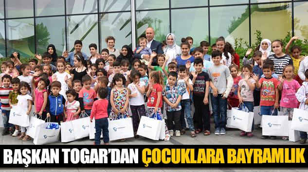 Başkan Togar'dan Çocuklara Bayramlık