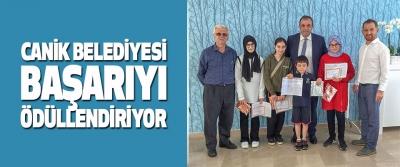 Canik Belediyesi Başarıyı Ödüllendiriyor