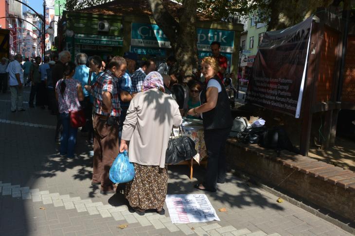 Karadeniz İsyandadır Platformu Fatsa'da imza topladı