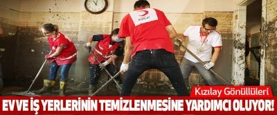 Kızılay gönüllüleri ev ve iş yerlerinin temizlenmesine yardımcı oluyor!