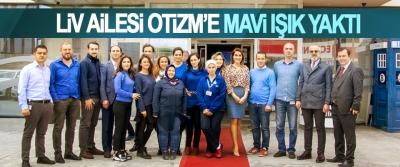 Liv Ailesi Otizm'e Mavi Işık Yaktı