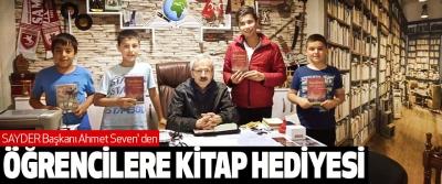 Sayder Başkanı Ahmet Seven' Den Öğrencilere Kitap Hediyesi